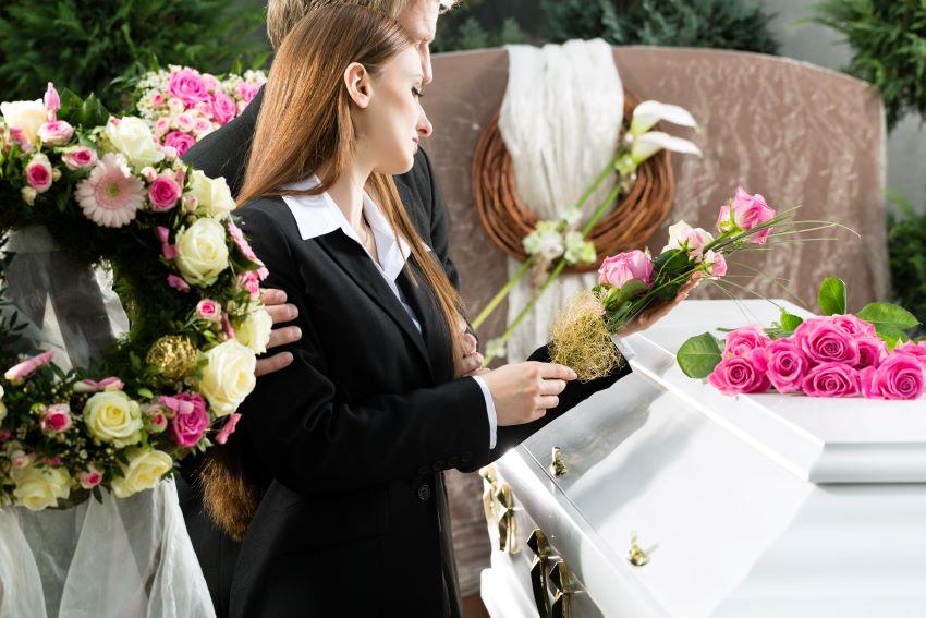 cómo anunciar un funeral