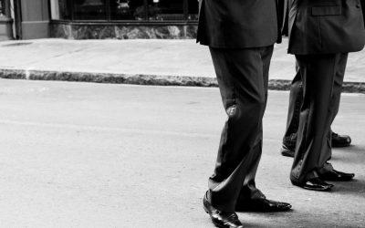 Cómo vestir para un funeral (y otras fases del proceso)