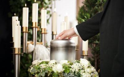 Diferencias entre inhumación y cremación: cómo elegir