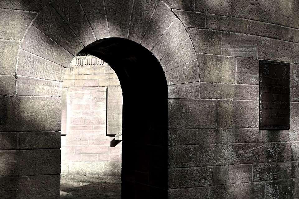 Conceptos Funerarios Qué Es Una Cripta Flores Tanatorio Com